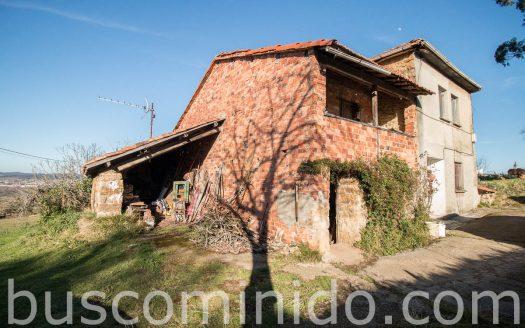 Casa y cuadra rehabilitar en Siero